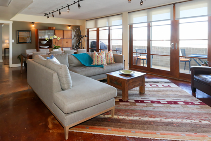 Downtown 2BR/2BA with wet bar. Broadway Tower Penthouse - sold $640,000